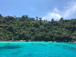 透明度のいいラチャノイ島