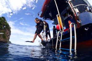 ピピ島の海へエントリー