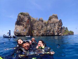 プーケットから行くピピ島でダイビング