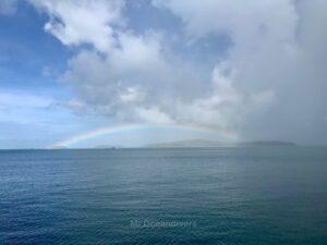 ラチャノイ島でダイビング 虹ができた空