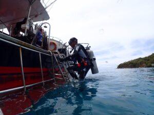 ラチャノイ島でダイビング エクジット