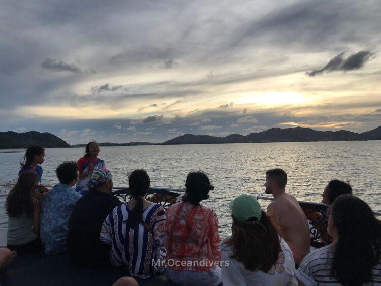 ピピ島でダイビング 帰り道の夕日