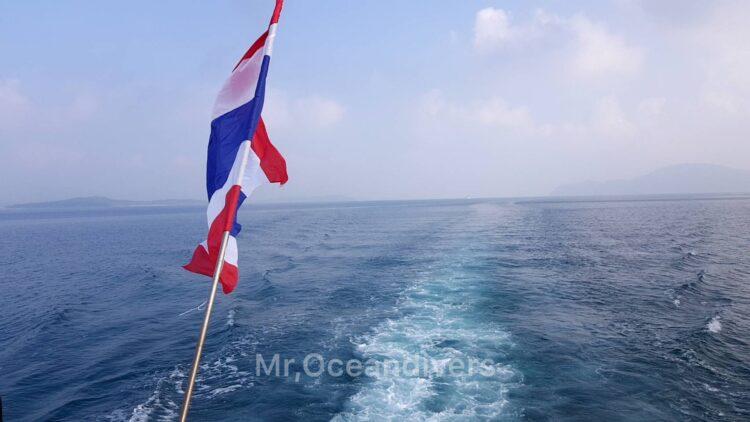 プーケットでファンダイビング 移動中の海